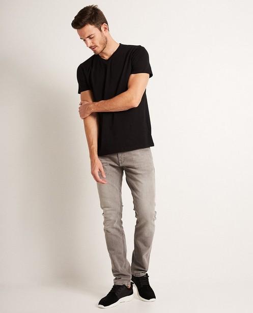 T-shirt noir en coton bio, col en V - basique - JBC
