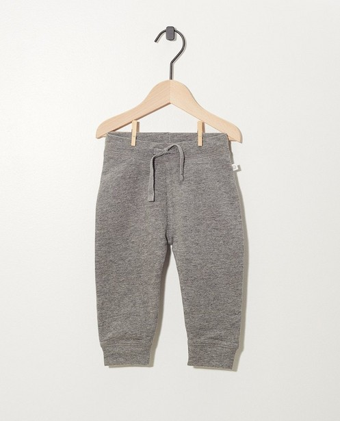 Pantalon gris en coton bio - molletonné, 2 pour 14,95 € - Cuddles and Smiles