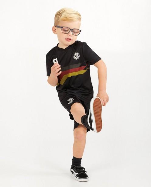 Tenue de foot noire, 2-7 ans - n° 8 - JBC