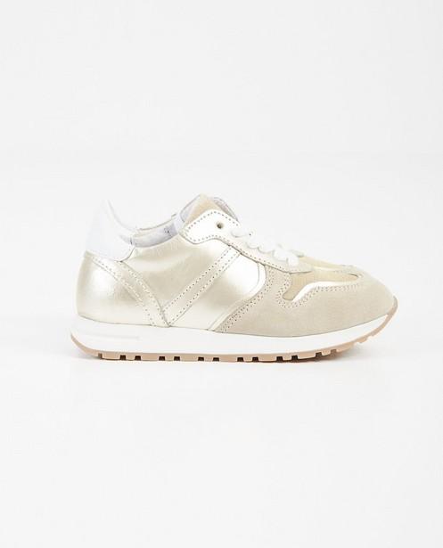 Goudkleurige sneakers, maat 27-32 - schoenen - Milla Star