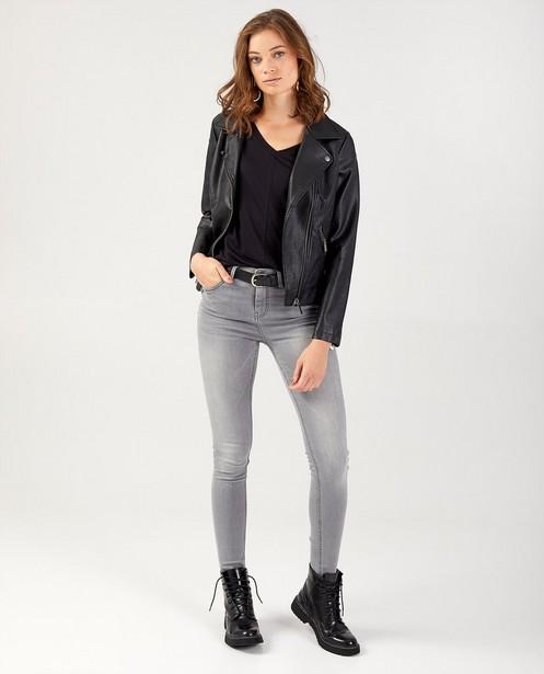 Zwarte jas in faux-leather Sora - met ritssluiting - Sora