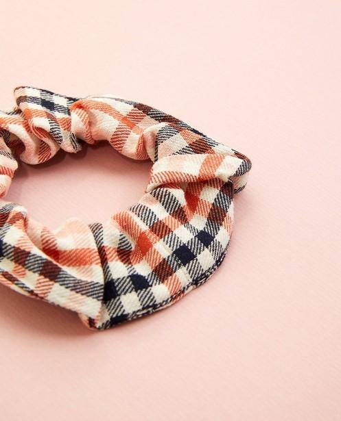 Breigoed - Scrunchie met ruitpatroon