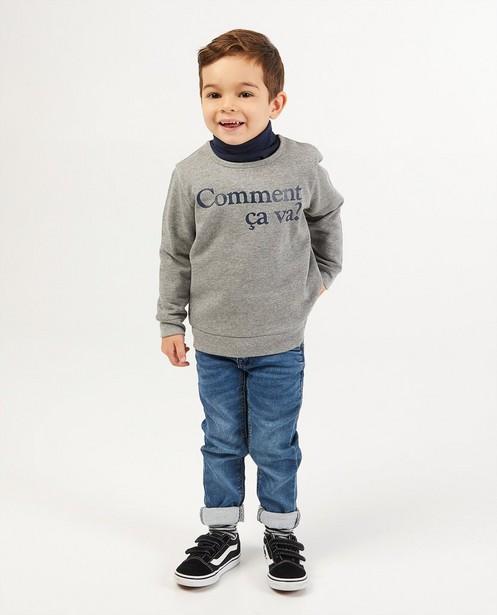 Grijze sweater met print BESTies - opschrift - Besties