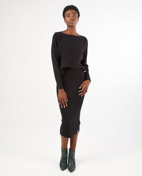 Gebreide trui in zwart - horizontale rib - Familystories