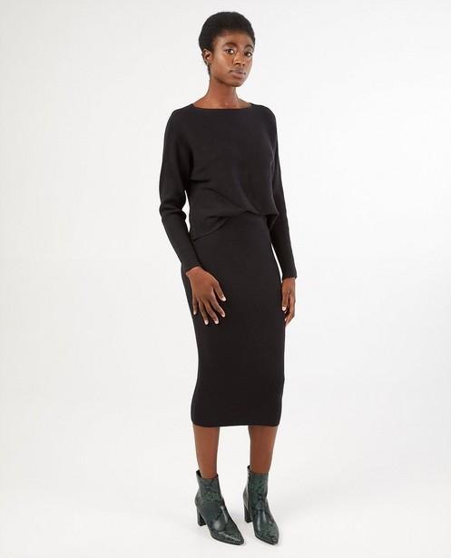 Gebreide rok in zwart - aansluitend - Familystories