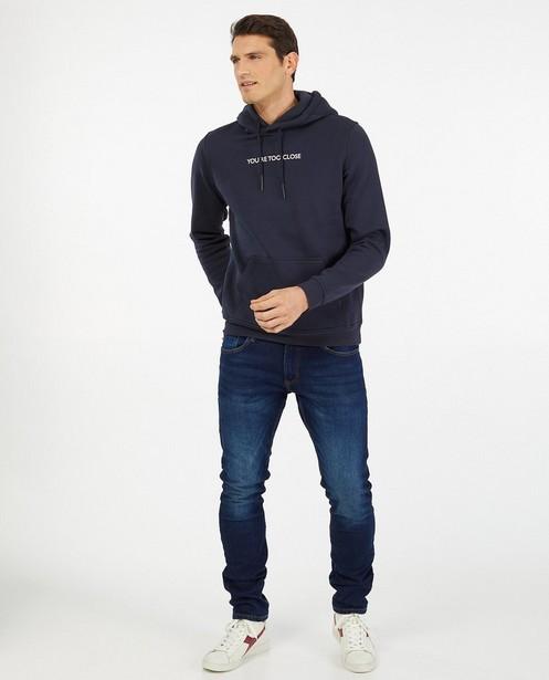 Hoodie bleu foncé en coton bio - à inscription - Quarterback
