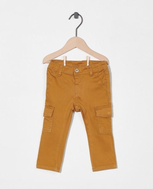 Camelkleurige broek - met klepzakken - Cuddles and Smiles