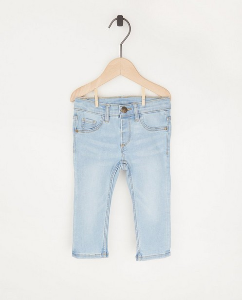 Lichtblauwe jeansbroek - met wassing - Cuddles and Smiles