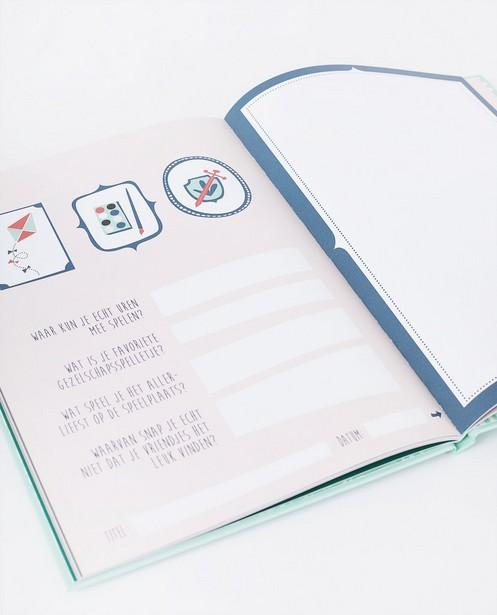 Gadgets - Livre à dessins Mama Baas