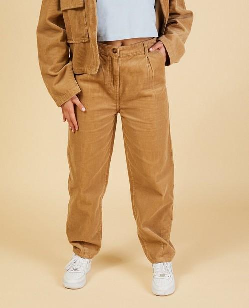Pantalon brun slouchy Nour & Fatma - en velours côtelé - Nour en Fatma