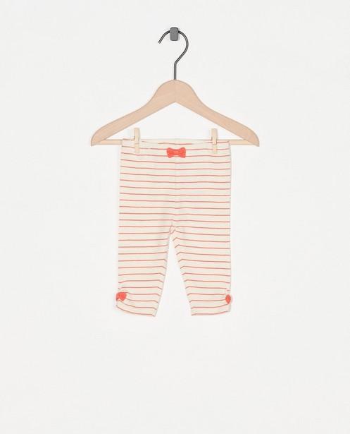 Offwhite legging met strepen - allover in roze - Newborn