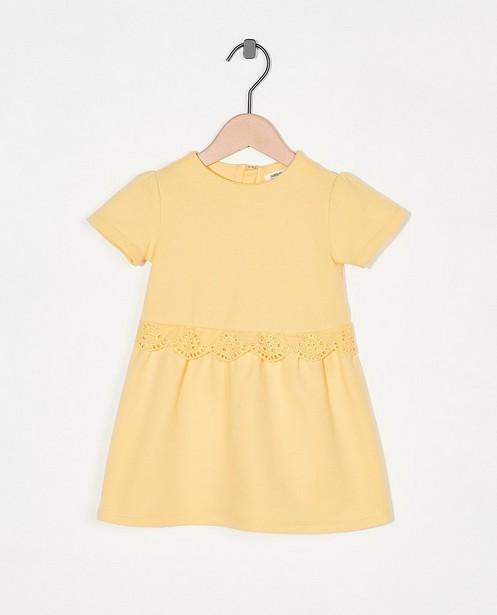 Robe jaune avec des ruches Fête - premium - Cuddles and Smiles