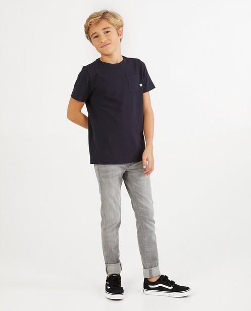 Donkerblauw T-shirt van biokatoen - met borstzak - Fish & Chips
