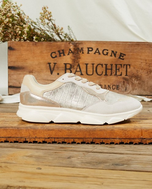 Goudkleurige sneakers, maat 36-41 - met veters - Sprox