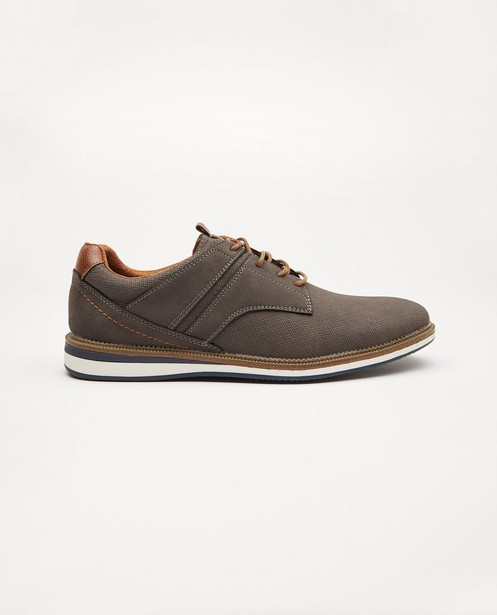 Grijsbruine schoenen, maat 40-46 - met ingekerfd patroon - Sprox