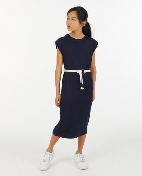 Robe bleu foncé à ceinture BESTies - avec des épaulettes - Besties