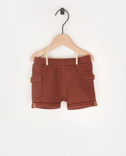 Short brun molletonné avec des poches