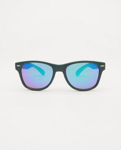 Donkergroene zonnebril