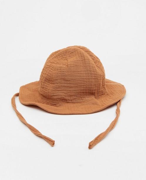 Chapeau brun en matière tétra - avec lien à nouer - Cuddles and Smiles