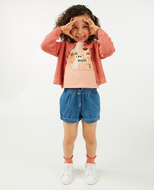 Donkerroze cardigan met ajour - en houten knoopjes - Cuddles and Smiles
