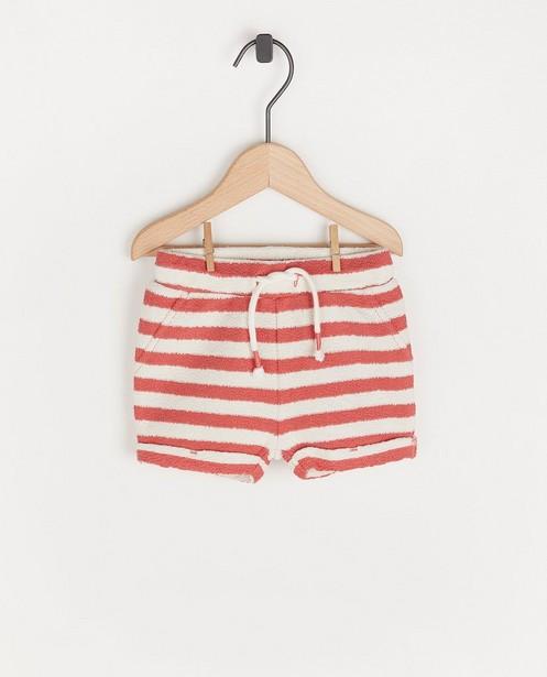 Witte short met roze strepen - en structuur - Cuddles and Smiles