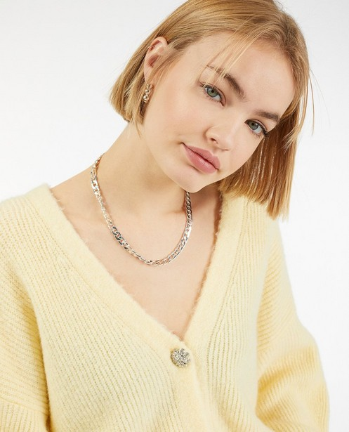 Gele cardigan met sierknopen - van fijne brei - Ella Italia