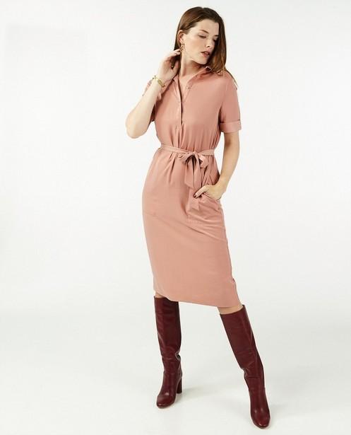 Satijnen jurk in roze Sora - met knooplint - Sora