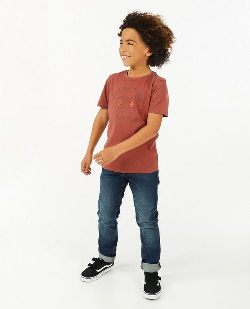 Roodbruin T-shirt met print BESTies - stretch - Besties
