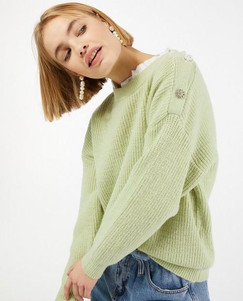 Truien - Gebreide trui met sierknopen