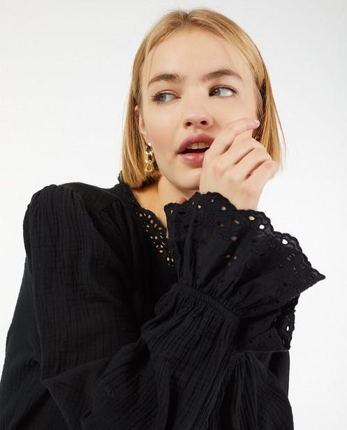 Zwart hemd van tetrastof - met broderie anglaise - Paris