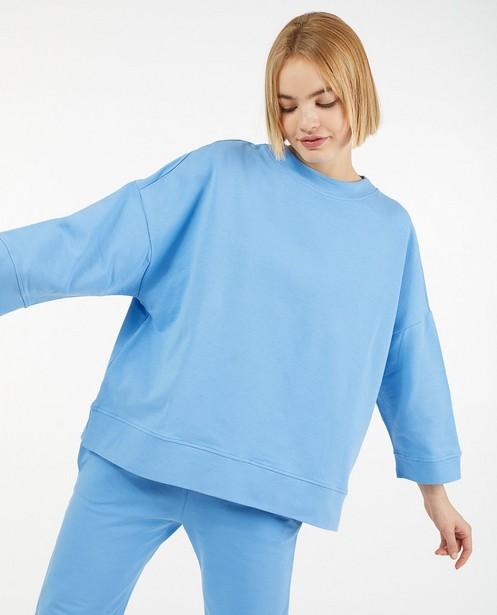 Lichtblauwe sweater Ella Italia - met wijde fit - Ella Italia