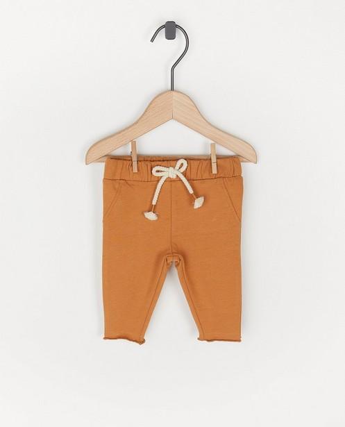 Biokatoenen broekje in bruin - jogger - Newborn