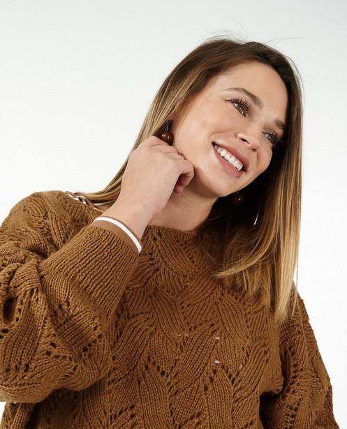 Pull marron avec motif ajouré JoliRonde - grossesse - Joli Ronde