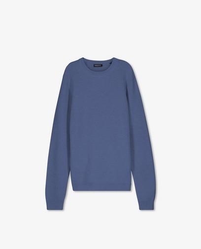 Blauwe trui met gebreid patroon
