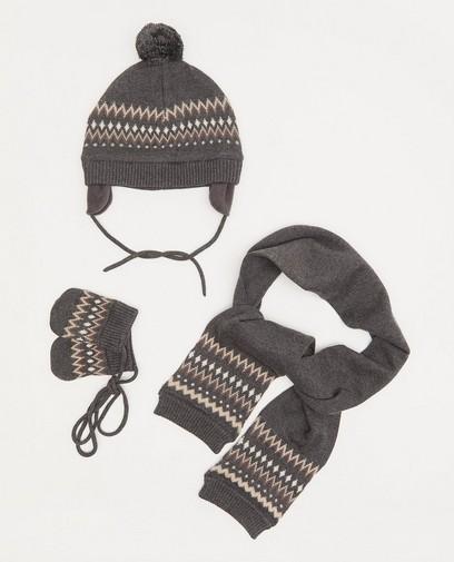 Ensemble: bonnet, écharpe et moufles pour les bébés